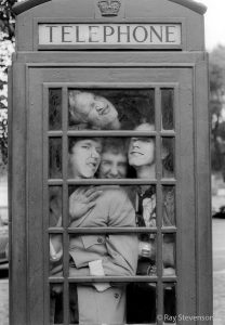ray-stevenson-sex-pistols-phonebox