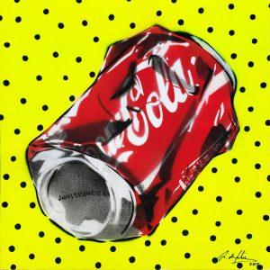 antonio-de-felipe-Lata-de-coca-cola-fondo-amarillo-puntos-negros